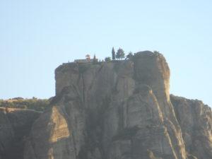 メテオラの奇岩石に建つ修道院